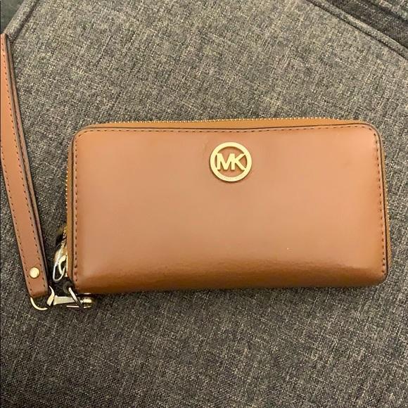 Michael Kors Handbags - Michael Kors leather wallet